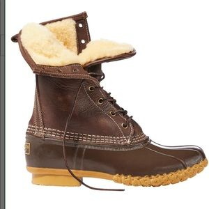 L. L. Beans Tan Shearing Boots 7M